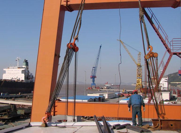 起重葫芦在船舶制造中的应用案例03